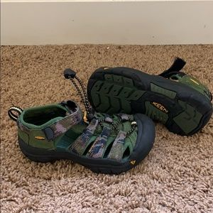 Keen sandles, youth size 11